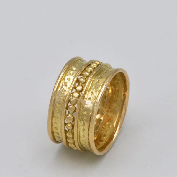 Anneau en or jaune perlé