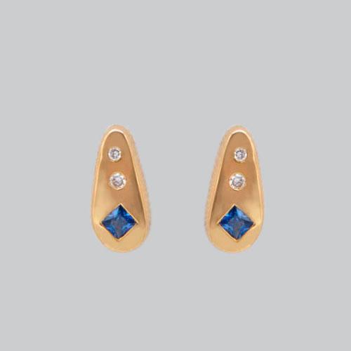 Boucles d'oreilles saphirs bleu diamants